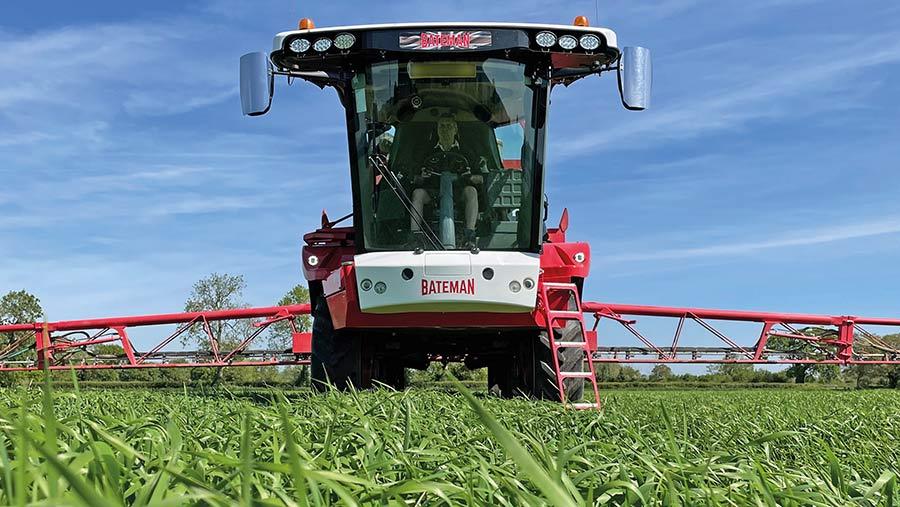 Jonathan Legg Bateman RB35 Crop Sprayer from Farmers Weekly